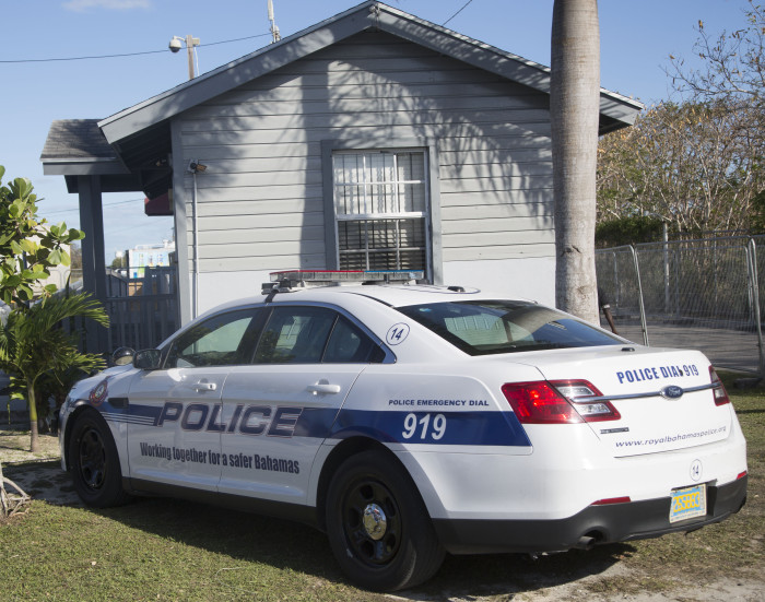 Nassau18_poliisiauto