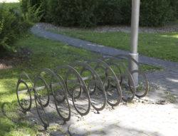 Polkupyörätelineiden kuvia Latviasta.